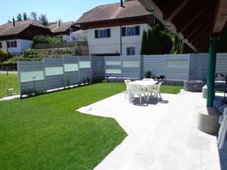 Aluminium und Stein: moderner Garten von SIWA AG