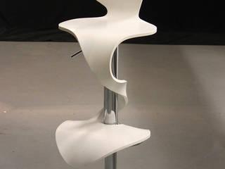 Chaise de bar Lilly Mermaid blanche:  de style  par Arielle D Collection Maison
