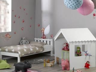 Stanza dei bambini in stile  di www.monpetit-kinderzimmer.de