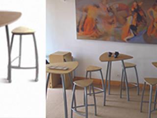 Ensembles tables tabourets Delta: Bars & clubs de style  par Arielle D Collection Maison