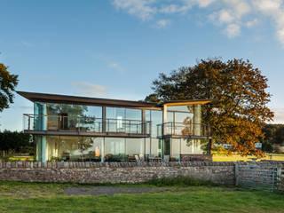 Carreg a Gwydr Hall + Bednarczyk Architects Modern houses