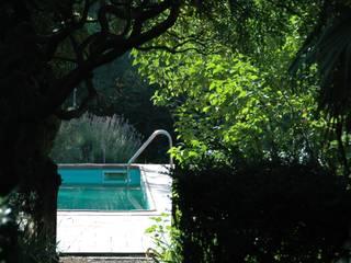 Śródziemnomorski ogród od agence d'architecture nadia poss Śródziemnomorski