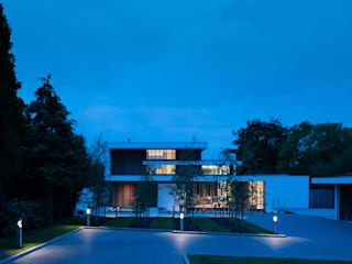 River House - Night external view from drive Selencky///Parsons Modern houses