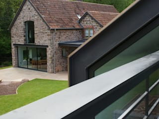 Veddw Farm, Monmouthshire Hall + Bednarczyk Architects Modern Terrace