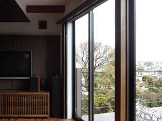 Moderne Wohnzimmer von TAMAI ATELIER Modern