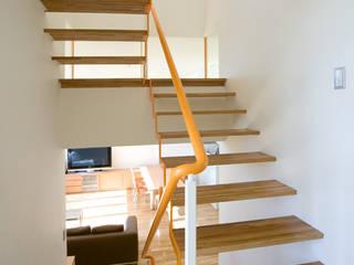 南町田2 オリジナルスタイルの 玄関&廊下&階段 の 田代計画設計工房 オリジナル