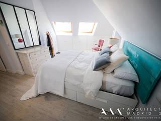 Arquitectos Madrid 2.0 Mediterrane Schlafzimmer
