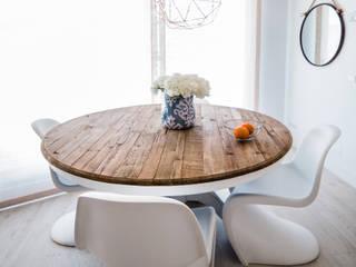 mesa comedor moderna minimalista madera: Comedores de estilo minimalista de Arquitectos Madrid 2.0