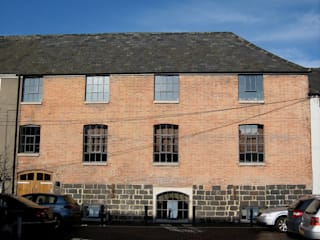 The Wine Warehouse, Chepstow โดย Hall + Bednarczyk Architects อินดัสเตรียล