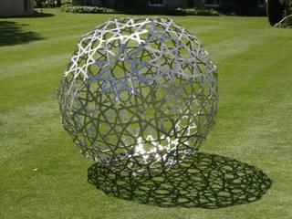 Islamic sculpture Modern garden by Pete Moorhouse Ltd Modern
