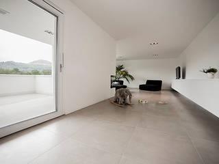Salas / recibidores de estilo  por 22quadrat