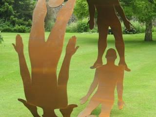 Human Circle:  Garden by Pete Moorhouse Ltd