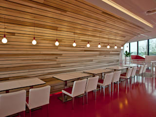 Espaces de bureaux modernes par Derako International B.V. Moderne