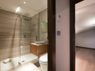 Salle de bains de style  par Urban Cape Interiors