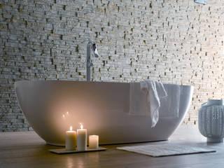 GINEVRA di VALPIETRA® per la sala da bagno: Bagno in stile in stile Moderno di VALPIETRA®