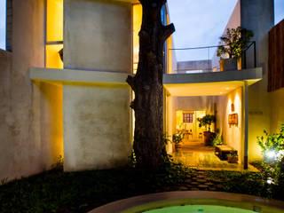 Piscinas de estilo moderno de Taller Estilo Arquitectura Moderno