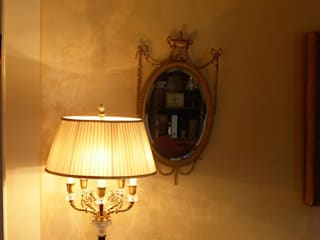 Parete soggiorno Antico Velluto Soggiorno classico di Arte & Decorazioni di Marco Sinibaldi Classico
