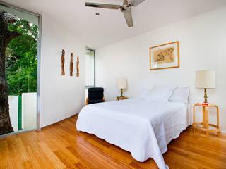 Dormitorios modernos: Ideas, imágenes y decoración de Taller Estilo Arquitectura Moderno
