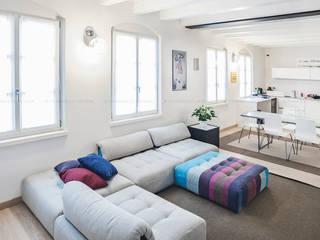 Appartamento a Verona: Soggiorno in stile  di Pierangelo Laterza