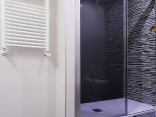 Reforma de baño moderno en Valencia de scala-proyectos Moderno