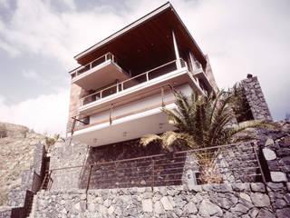 Correa + Estévez Arquitectura - Vivienda en Ifara Casas de estilo moderno de CORREA + ESTEVEZ ARQUITECTURA Moderno