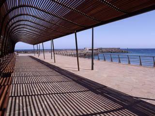Correa + Estévez Arquitectura - Puertito de Guimar: Piscinas de estilo  de CORREA + ESTEVEZ ARQUITECTURA