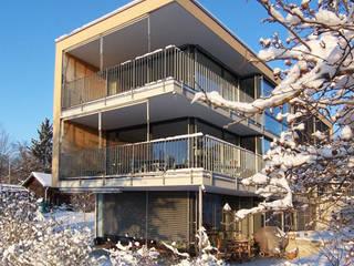 1-3 Familienhaus Eierbrecht, Zürich eidenbenz.architekt Moderner Balkon, Veranda & Terrasse