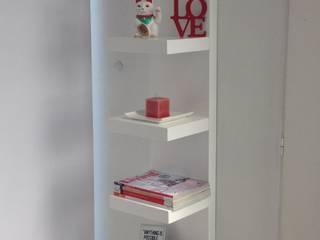 Biblioteca Estantes : Livings de estilo minimalista por MODULUS