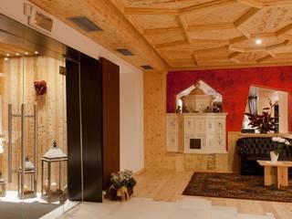 Hotéis modernos por Modena Architetto Giovanni Moderno