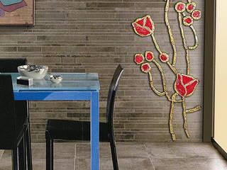 Mosaico in ceramica Raku: Cucina in stile in stile Mediterraneo di Forgiatore di Elementi di Giuseppe Sautto