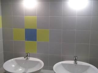 Iluminación: Baños de estilo  de Arquitectos Fin