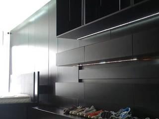 Suite : Dormitorios de estilo minimalista por MODULUS