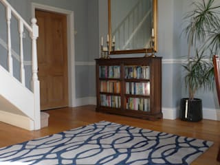 Entrance Hall:  Corridor & hallway by Natalie Davies Interior Design