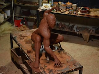 Çamur Sanat  – Örümcek adam heykeli:  tarz