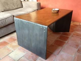 Arthemise - Table basse en carton: Maison de style  par Atelier Van der Meeren