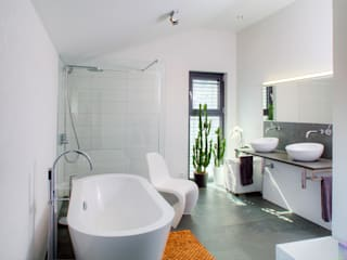 modern Bathroom by lc[a] la croix [architekten]