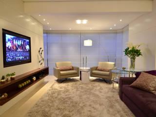 Modernizando apartamento Tania Bertolucci de Souza | Arquitetos Associados Salas de estar modernas