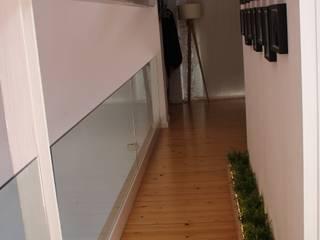 pasillo jardinera Pasillos, vestíbulos y escaleras industriales de SMMARQUITECTURA Industrial