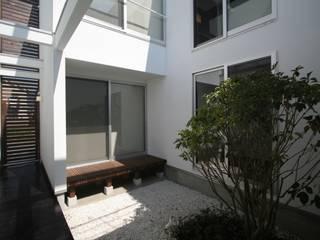 Jardines de estilo moderno de 天工舎一級建築士事務所 Moderno