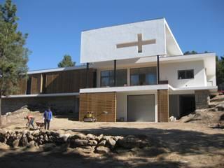 Fazenda da Esperança - Portugal: Casas  por ARKIVO,Moderno