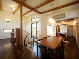 N-HOUSE: 建築デザイン工房kocochi空間が手掛けたダイニングです。