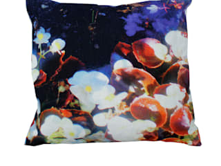 LUMINOUS LILLY AND VIOLET CUSHION: modern  by Suzanne Goodwin , Modern