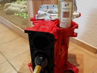 Weinständer aus einem 4-Zylinder-Motorblock:   von Cultstyle Automöbel