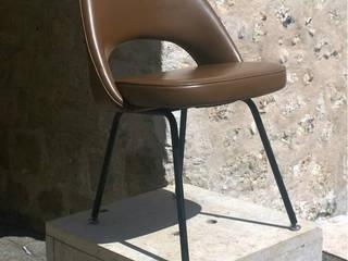Chaise Saarinen modèle Conférence:  de style  par Aepplevintage