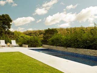 Jardines de estilo minimalista de Loro Arquitetura e Paisagismo Minimalista