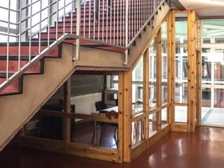 LA RADIO: Salas multimedia de estilo  de MMMU Arquitectura i Disseny