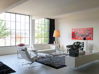 Tetem Lofts:  Woonkamer door IAA Architecten, Industrieel