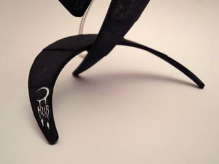 lampe ARMA noir (pied):  de style  par Bois Perdus