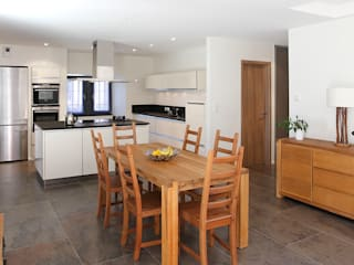modern Dining room by Agence Machurey