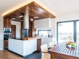 Wnętrze domu w Wieluniu: styl , w kategorii Kuchnia zaprojektowany przez Projektowanie wnętrz Berenika Szewczyk